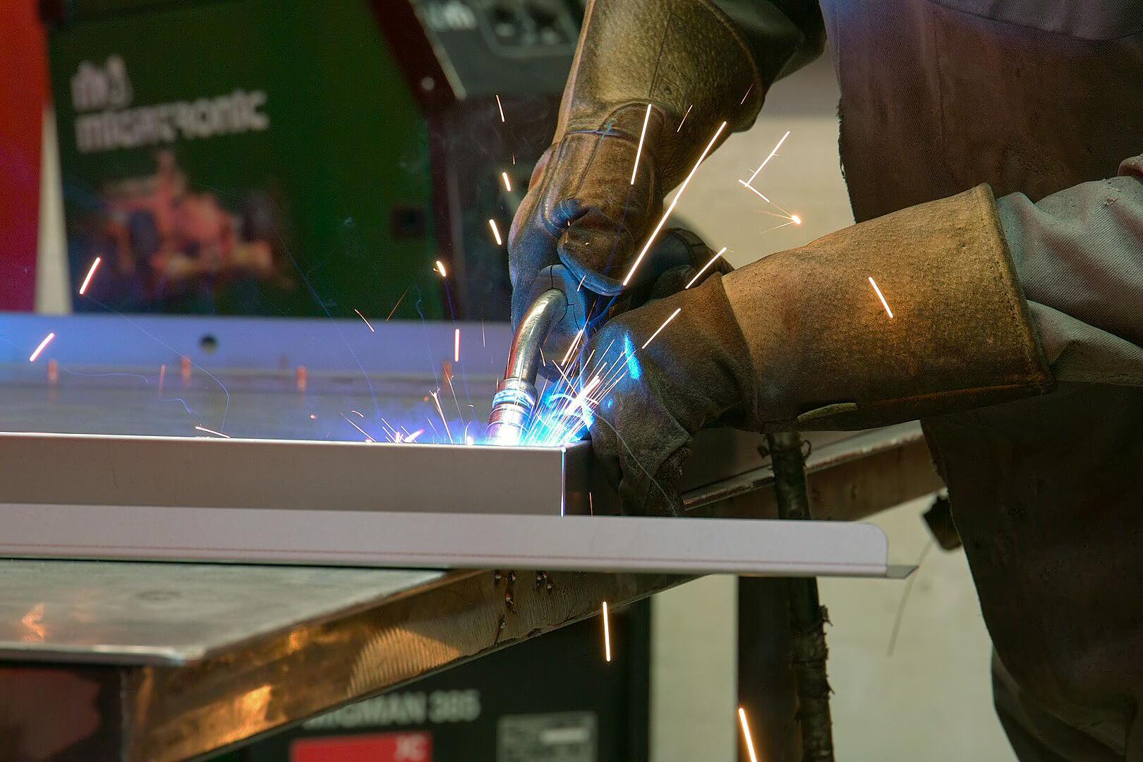 Mig Welding Aluminium Amp Steel Metal Inert Gas Welding Uk